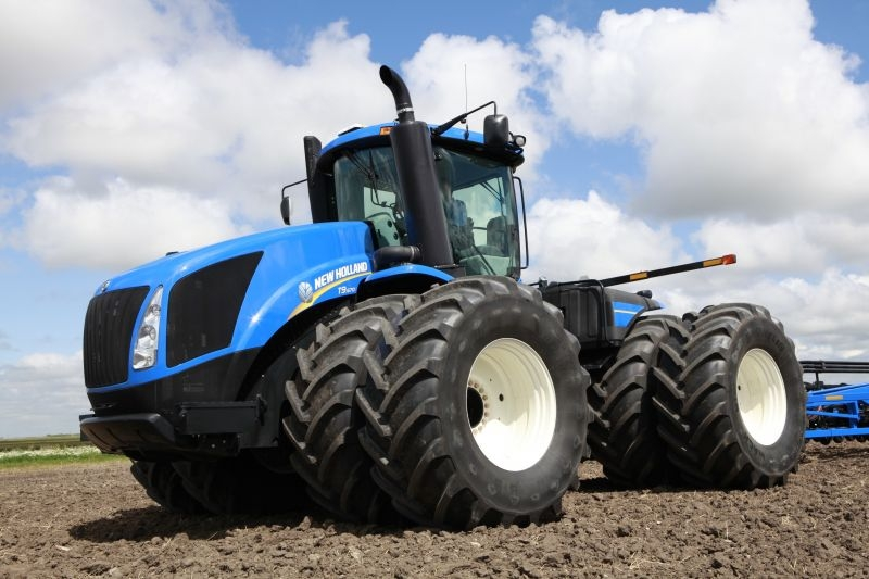 Tractor New Holland series T9 - Ac-Terra